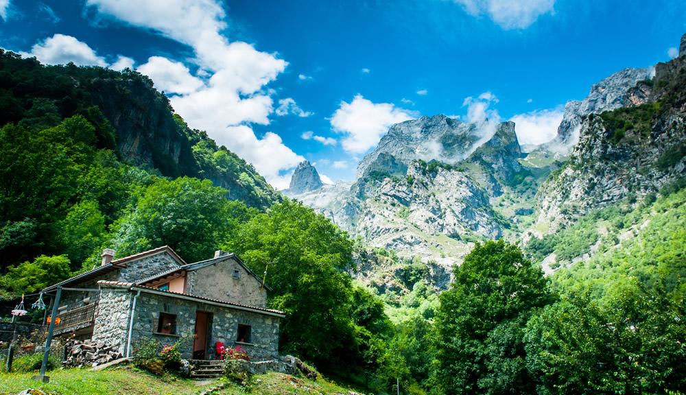 vistas rutas en 4x4 en picos de europa